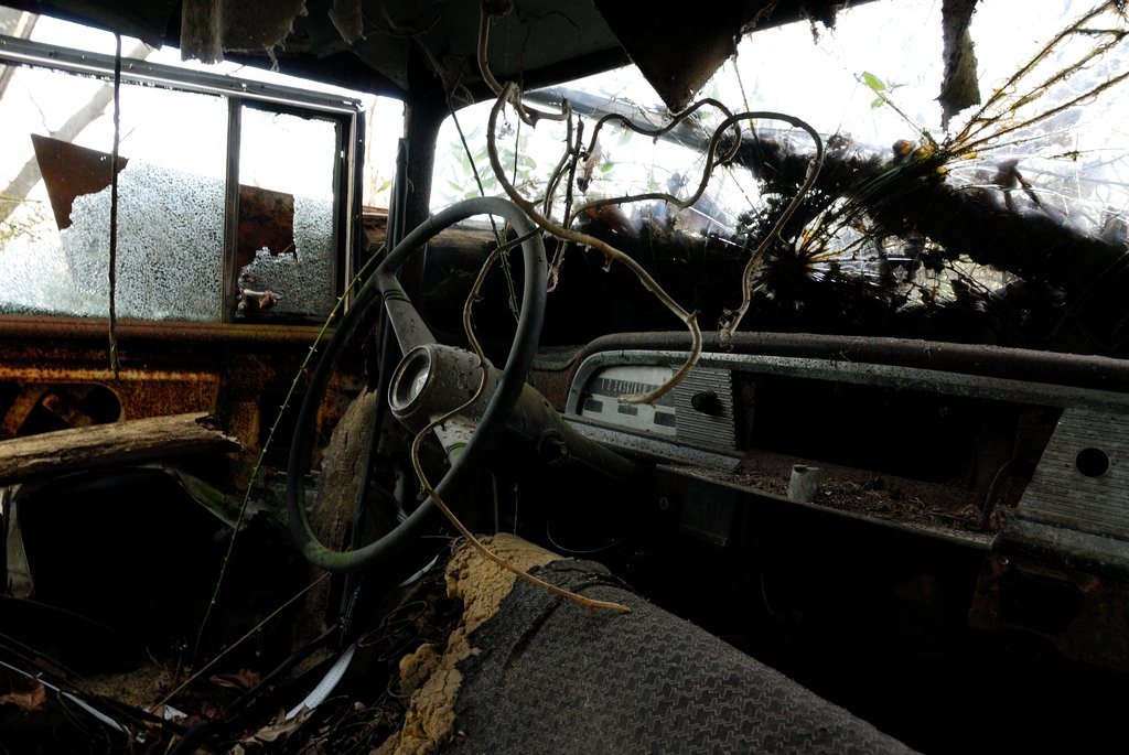 Veículos abandonados começarão a ser removidos das ruas de Patrocínio